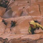 Enguany comptem amb roba de la marca @patagonia a #Goma2Siurana 😉 Una empresa molt compromesa amb la sostenibiliat i el medi ambient, pionera en la iniciativa 1% for the Planet. Per abrigar-se a peu de via, penjat en una reunió a la paret o simplement per passejar per la ciutat, Patagonia és una bona elecció 👌 . 📸 Drew Smith . #escalada #climbing #rockclimbing #tradclimbing #casualwear #klettern #grimper #arrampicata #iloveclimbing #climber #climbon #climbingculture #climbinglife #siuranameetingpoint