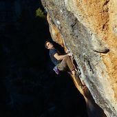 Gerard Rull a 'La Rambla' 9a+, una via que es va embutxacar a finals de febrer de 2018. Quin bou! 💪 . 📸 @iliakarpenko . #goma2siurana #siurana #escalada #climbing #klettern #grimper #arrampicata #larambla #cataloniaclimbs #climbingculture
